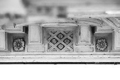 01 (Alessandro Gaziano) Tags: blackandwhite rome roma blackwhite foto bn fotografia palazzo biancoenero pillole particolari borromini blackwhiteaward alessandrogaziano