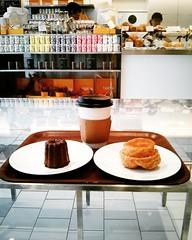 Kouign amann, cannele de Bourdeaux (FoodTy [food-tee]) Tags: japan tokyo asia pastries kouignamann dominiqueansel dominiqueanselbakery canneledebourdeaux