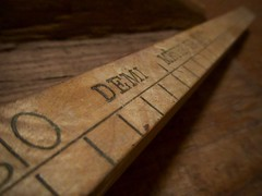 Demi mètre (•Nicolas•) Tags: ruler règle meter mètre unit unité lenght mesure nicolasthomas auvergne france wood bois macro perspective graduations