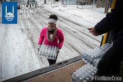 Islamic Relief USA volunteers and Red Cross volunteers help to distribute water in Flint, MI