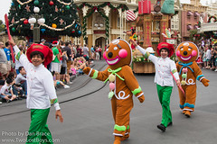 Mickey's Once Upon a Christmastime Parade (Disney Dan) Tags: christmas travel winter vacation usa holiday orlando december florida character disney disneyworld characters fl wdw waltdisneyworld mk magickingdom gingerbreadman elves disneycharacters 2015 disneycharacter christmasseason disneypictures santaselves christmaselves disneyparks disneypics onceuponachristmastimeparade mickeysonceuponachristmastimeparade ouact