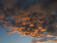 la porte qu'il ne faut pas ouvrir (laetitiablabla) Tags: sunset sky cloud france soleil glory coucher ile ciel val suburb nuage vues banlieue marne
