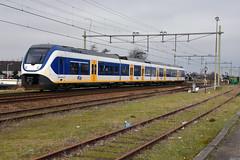 NSR 2464 at Noordwijkerhout, February 12, 2016 (cklx) Tags: vab slt noordwijkerhout pietgijzenbrug sprinterlighttrain vuiloverslag
