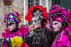 Carnaval Venise 2016-6430 (yvesw_photographies) Tags: italien carnival venice costumes italy costume europe italia eu parade carnaval venise carnevale venezia venedig carneval italie venitian costum costumi costumé flânerie vénitien vénitienne costumés carnavaldevenise2016