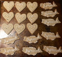 Be Mine  (Kimberly C. Lee) Tags: bass homemade homecooking herbal valentinesday heartcookies urbanfishing largemouthbass fishingfood bassfish shortbreadcookies homemadecookies heartcookiecutter fishcookies nycfishing valentinesdayfood fishcookiecutter happyolks largemouthbassfood