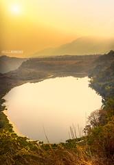 Laguna de Guaitipan (diegofrodrigezphoto) Tags: sol canon laguna aventura 6d calido guaitipan