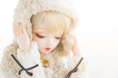 Frozen breath (Alix Real) Tags: winter portrait ball asian doll dolls handmade dream super sd hood bjd resin resina dollfie hybrid sd10 abjd akai mueca noella jointed bjds sd13 faceup leeke leekeworld abjds dollga godolls ariadoll swtitch
