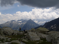 Widok na wschód z podejścia na Pic Molieres