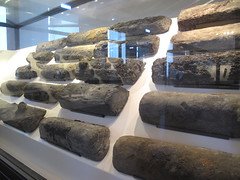 COMACCHIO - Museo della Nave Romana (Roman Shipwreck Museum): Timber pieces (Andra MB) Tags: italien italy vacances italia roman urlaub shipwreck italie emiliaromagna 2015 vacanta concediu epave epava commachio