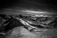 Les 3 Valles (Frdric Fossard) Tags: ski montagne alpes lumire hiver horizon ombre ciel neige savoie nuage paysage lesmenuires valle tarentaise stationdeski luminosit pistedeski