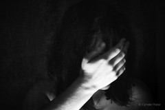 "74/365 ""Absence"" (ophelie.poirier) Tags: woman selfportrait photography photographie hand arm autoportrait artistic main 365 artisticnude artistique project365 365days 365project 365challenge"