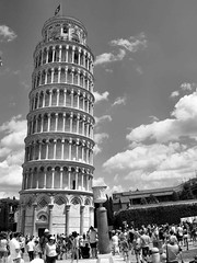 Pisa Italy 2015 153 (saxonfenken) Tags: 153italy 153 pisa bw tuscany tower touristattraction people pregamesweep gamewinner