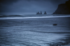 Vik (Sandro Bisaro) Tags: longexposure sea nature water rock stone clouds canon dark landscape island iceland rocks wasser waves cloudy outdoor vik landschaft islanda  canon5dmarkiii sandrobisaro canon1635mmf4lis
