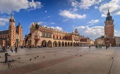Rynek Glowny (davecurry8) Tags: tower square cathedral poland krakow townhall stmarys rynekglowny clothmarket