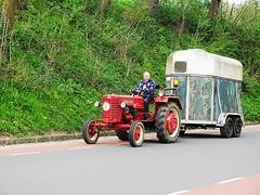 Oldtimers (streamer020nl) Tags: tractor trailer limburg trekker 2016 zuidlimburg slenaken paardentrailer 220416