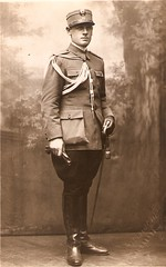 Romanian officer 1930 - 16FD (thardy1) Tags: soldier uniform military romanianarmy romaniansoldier