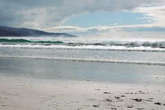 059b (martine_vise) Tags: sea mer beach clouds eau lumière sable victoria côte nuages paysage vagues extérieur plage australie rivage apollobay océan littoral embruns