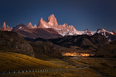 Early morning view of Mount Fitz Roy - Patagonia, Argentina (alicecahill) Tags: patagonia mountain southamerica argentina sunrise landscape fitzroy losglaciaresnationalpark mountfitzroy alicecahill
