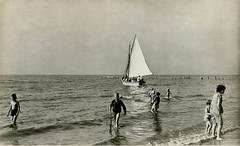 1058 - PC Noordwijk ZH (Steenvoorde Leen - 2.1 ml views) Tags: history strand boulevard postcards noordwijk kust ansichtkaart noordwijkaanzee badplaats oldcards oudnoordwijk