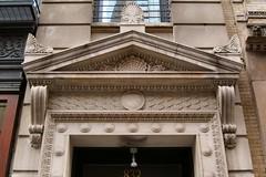 NYC_BDWY_832_001 (TNoble2008) Tags: louis ornament console pediment 1896 acroteria doorsurround ornamentshell ornamentanthemion ornamentbayleaf architectlouiskorn