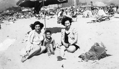 jackie dad lucy - on beach atlantic city (Doctor Casino) Tags: beach umbrella jackie florentine lucymiller