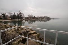 Besoin d'un coup de jet ! (Explored 2015-01-15) (Gisou68Fr) Tags: winter lake water fence switzerland eau suisse hiver lac reflexions reflets clture laclman cligny fencefriday