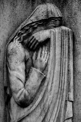 DSC00249 (walnussbaer) Tags: friedhof woman grave cemetary crying michendorf