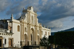 DSC_5809 (Kent MacElwee) Tags: park sky church latinamerica clouds highlands guatemala religion historic antigua plazamayor centralamerica parquecentral 1541 saintjosephcathedral spanishcolonialcity