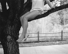 Détendre (Mason Witzel) Tags: summer bw woman white black tree film female 35mm model mason august breeze witzel masonwitzel