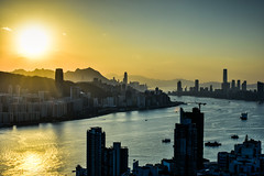 Sunset of Victoria Harbour, Hong Kong (philipchan32866) Tags: sunset sun sunlight sunshine buildings hongkong evening afternoon bright harbour warmth victoria brightness