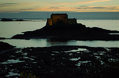 20150809-113_St  Malo Castle at Sunset (gary.hadden) Tags: sunset seascape landscape evening fort silhouettes saintmalo stmalo