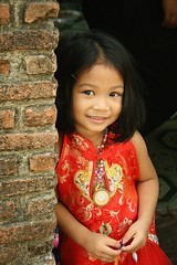 cute girl in her chinese new year's dress (the foreign photographer - ) Tags: new cute girl portraits canon thailand kiss dress bangkok chinese years khlong bangkhen thanon 400d