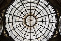 in galleria (Chiara Abbate) Tags: milan arte milano turismo chiara cultura galleria simmetria cerchi abbate meravigli