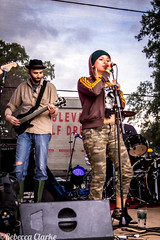 Pete and Ella Doune (Cherry Becwell) Tags: new urban music rabbit festival canon outside eos scotland edinburgh hole live stirling band amateur frontier stirlingshire doune the amateurphotography 1100d