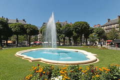 Place Victor Hugo - Grenoble (France) (Meteorry) Tags: plaza city flowers trees urban france fountain june fleurs grenoble square europe place lawn arbres fontaine pelouse victorhugo 2015 isère rhônealpes meteorry placevictorhugo grenoblealpesmétropole auvergnerhônealpes