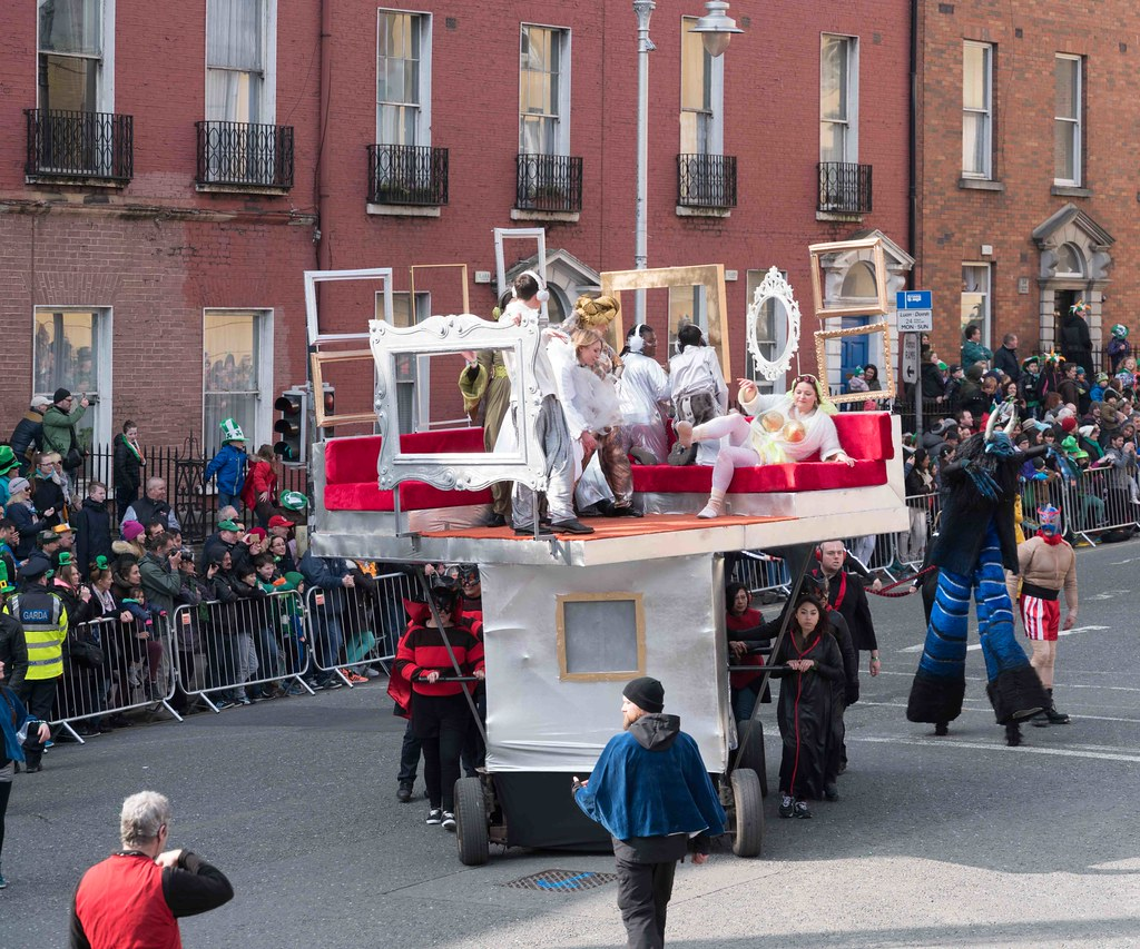 GAME ON BY CITY FUSION [DUBLIN 2016 PATRICK'S DAY PARADE]-112575