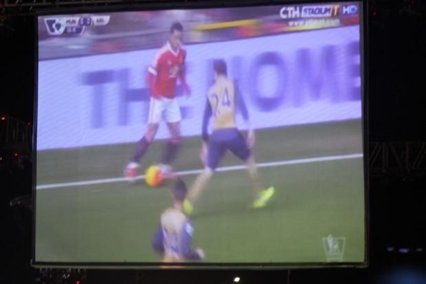 ការប្រកួតដ៏គួរឲ្យភ្ញាក់ផ្អើលរវាងក្រុម Arsenal និង Manchester United  នៅពហុកីឡដ្ឋាន SINGHA