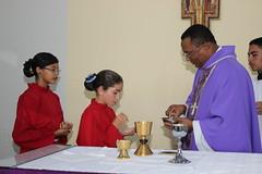 As aclitas vem receber o Corpo de Cristo  077 (vandevoern) Tags: brasil maranho simpatia misso bacabal vilafreisolano vandevoern contgio sofranciscosolano