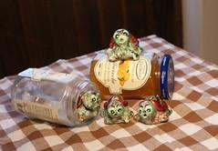 Tartarughe & Gatti (Marina Marchetti .net) Tags: souvenir ferrara papier orologi papiermache segni zodiaco tartarughe gattini portachiavi calamite artistici animaletti zodiacali dipintoamano pittrice termometri decoratrice gufetti cartapeste marinamarchetti marinamarchettinet lecartapeste