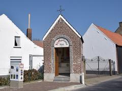 Sint Apolloniakapel (Luc.T) Tags: geotagged belgium chapel vlaanderen hoogstraat kapel brakelelst geo:lat=5083023006 geo:lon=373248820