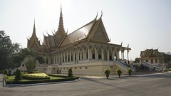 Phnom Penh Grand Palace (picturesfrommars) Tags: cambodia kambodscha grand palace phnom penh a6000 selp1650