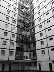 Patio (jokinzuru) Tags: building blancoynegro blackwhite apartments noiretblanc edificio courtyard patio euskalherria euskadi basquecountry vitoriagasteiz paysbasque pasvasco viviendas iphone5