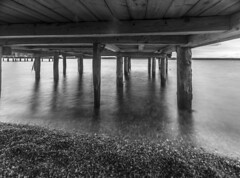 under the pier (Radek Lokos Fotografie) Tags: sea lake canon bavaria eos see reisen wasser outdoor freiburg schwarzweiss landschaft ammersee 6d herrsching radeklokosfotografie