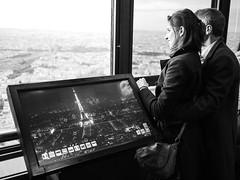 (Christof Timmermann) Tags: paris blackwhite eiffelturm olympuspen christof timmermann streetfotografie loveaffairs