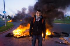 Au chaud ! (Zo Desbureaux) Tags: lutte amiens zone communisme manifestation industrielle blocage loitravail nuitdebout