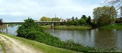La Dordogne (brigeham34) Tags: france eau eu dordogne rivire arbres pont paysage visite clocher aquitaine rives promeneurs ladordogne fz45 portstefoy