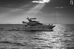 Cruising Under The Sun Rays (RJ-Clicks) Tags: wow nikon d5100 nikond5100 rjclicks rehanjamil