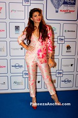 Jaqueline Fernandez in Akanksha Gajria's Neon Pink Suit at Lonely Planet Awards (shaf_prince) Tags: bollywoodactress designerwear jacquelinefernandez womensjacket celebritydresses indianfashiondesigners valentinopumps bollywooddesignerdresses actressinwhitedresses actressinpants lonelyplanettravelawards2015