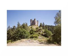 """(""""Que la bte meure"""") Tags: castle ruin ruine"""