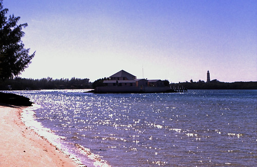 "Bahamas 1989 (453) Abaco: Eagle Rock und Hope Town Lighthouse, Elbow Cay • <a style=""font-size:0.8em;"" href=""http://www.flickr.com/photos/69570948@N04/24293088953/"" target=""_blank"">View on Flickr</a>"